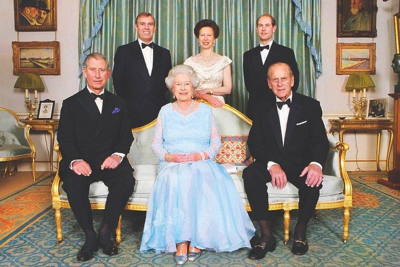 Królowa ElKrólowa Elżbieta II i książę Filip z rodzinążbieta II i książę Filip