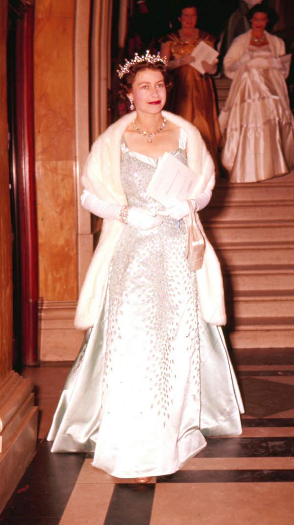 królowa Elżbieta II 1956 rok