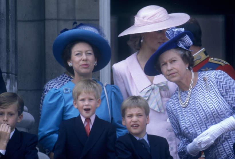 Królowa Elżbieta II Harry i William