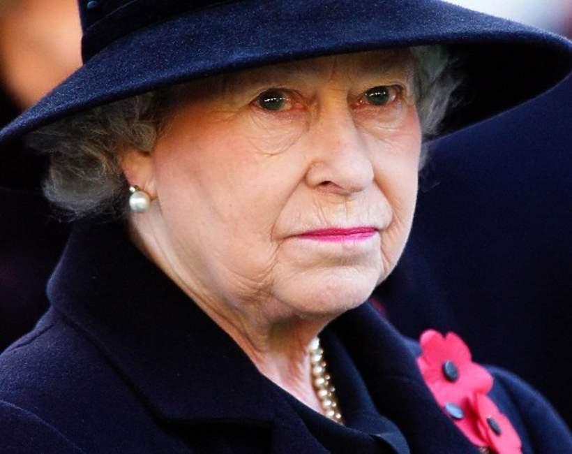 królowa Elżbieta II hołd wobec Filipa
