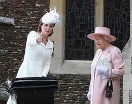 Królowa Elżbieta II  i księżna Kate w drodze na chrzest ksieżniczki Charlotte