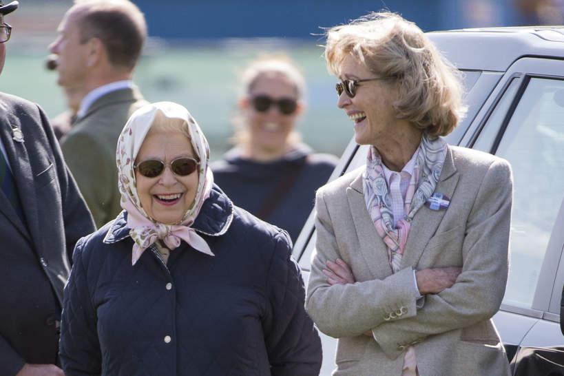 Królowa Elżbieta II i lady Brabourne