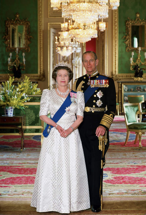 królowa Elżbieta II mowa ciała