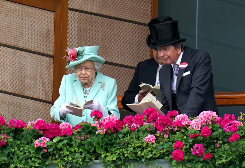 Królowa Elżbieta II olśniewała na zawodach jeździeckich Royal Ascot.