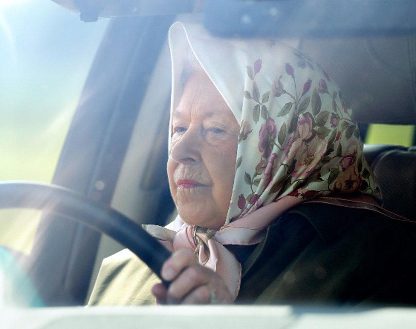 Królowa Elżbieta II prawo jazdy