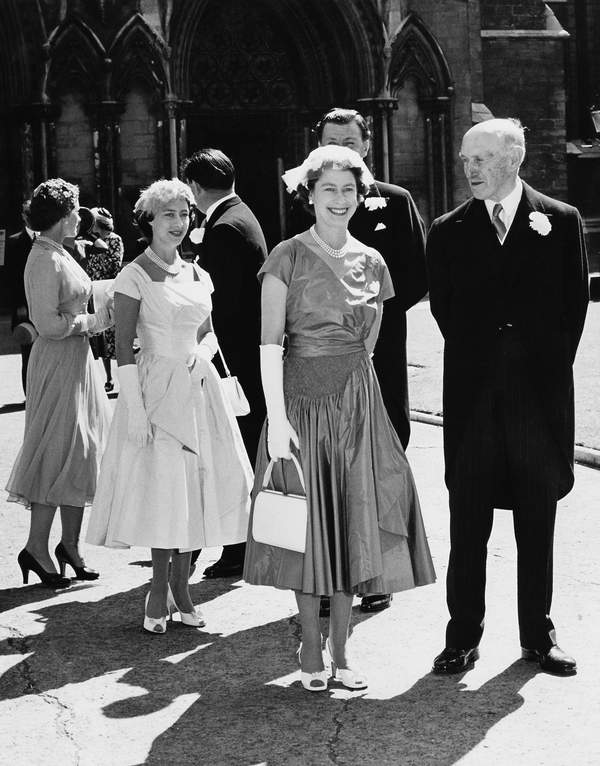 królowa Elżbieta II siostra