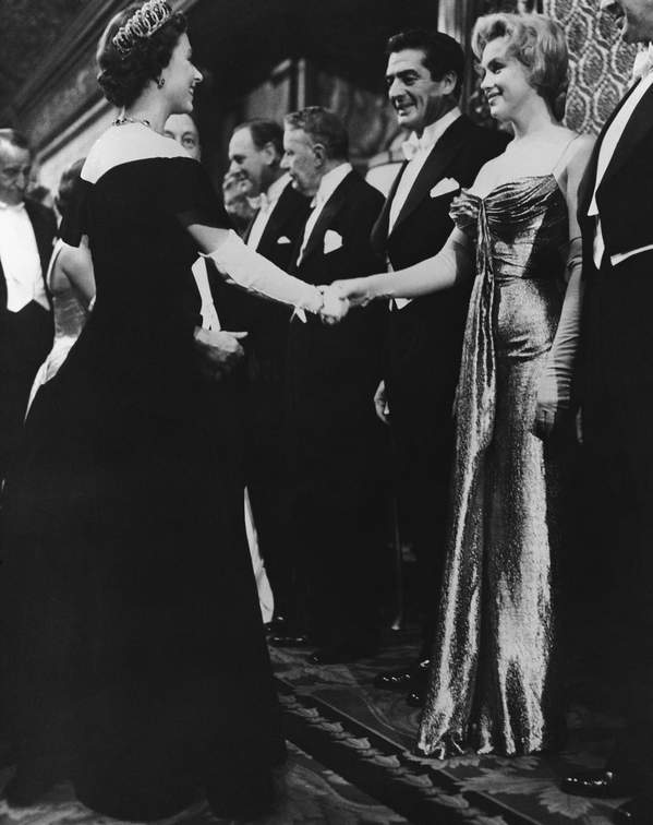 królowa Elżbieta II z Marilyn Monroe