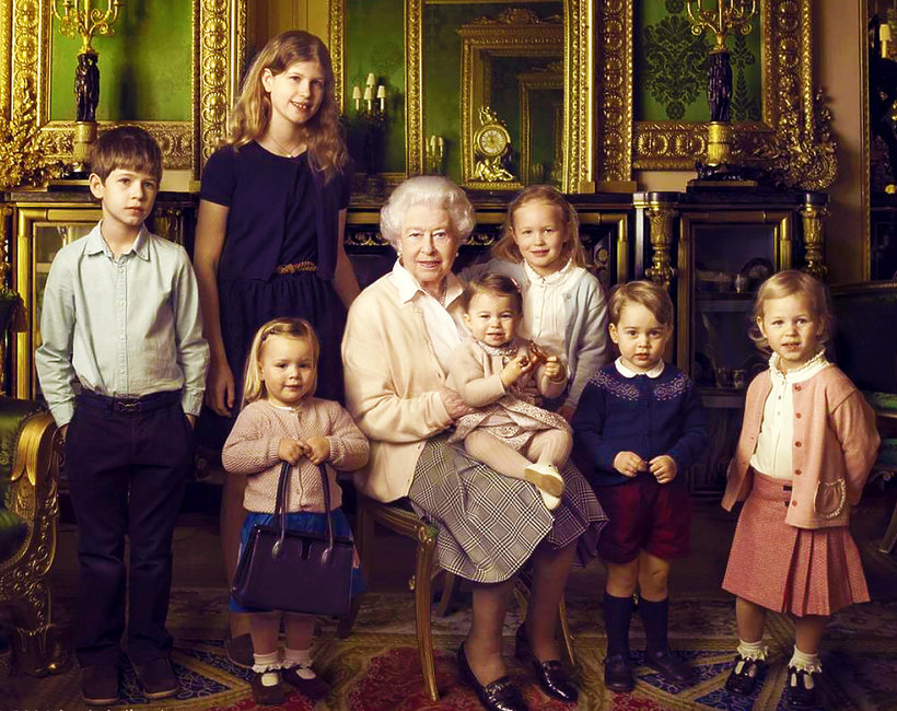 Królowa Elżbieta II z prawnukami