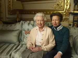 Królowa Elżbieta z córką