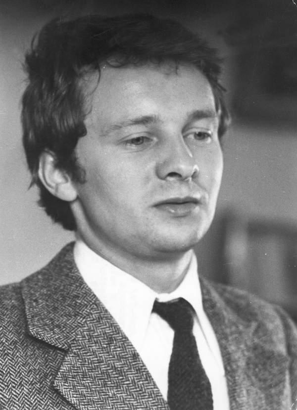 Krzysztof Stroiński, 1983, kadr z Filmu Daleko od szosy