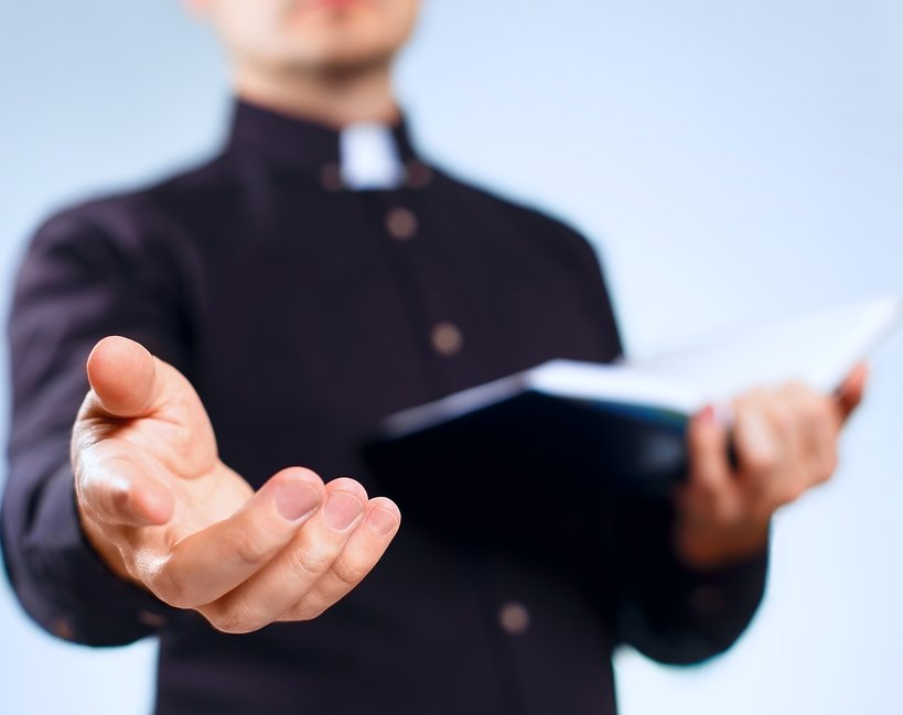 Ksiądz, duchowny, kościół
