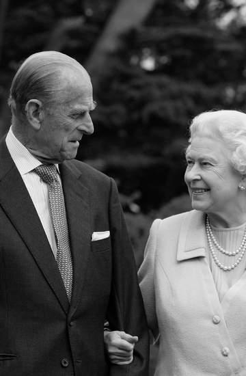 Książę Filip nie żyje, historia miłości z królową Elżbietą II