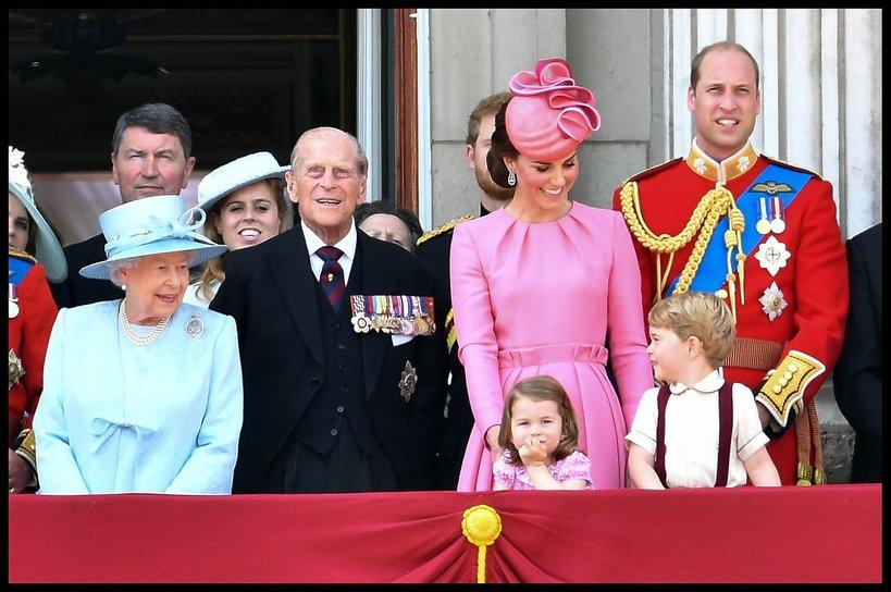 Książę George i księżniczka Charlotte, księżna Kate i William, rodzina królewska
