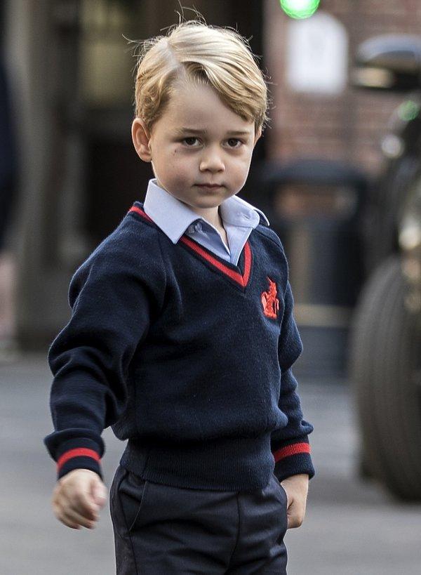 Książę George idzie do szkoły