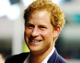 Dziś obchodzi 35. urodziny. Książę Harry przeszedł spektakularną metamorfozę!