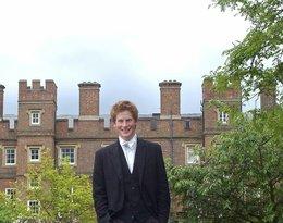 książę Harry w młodości