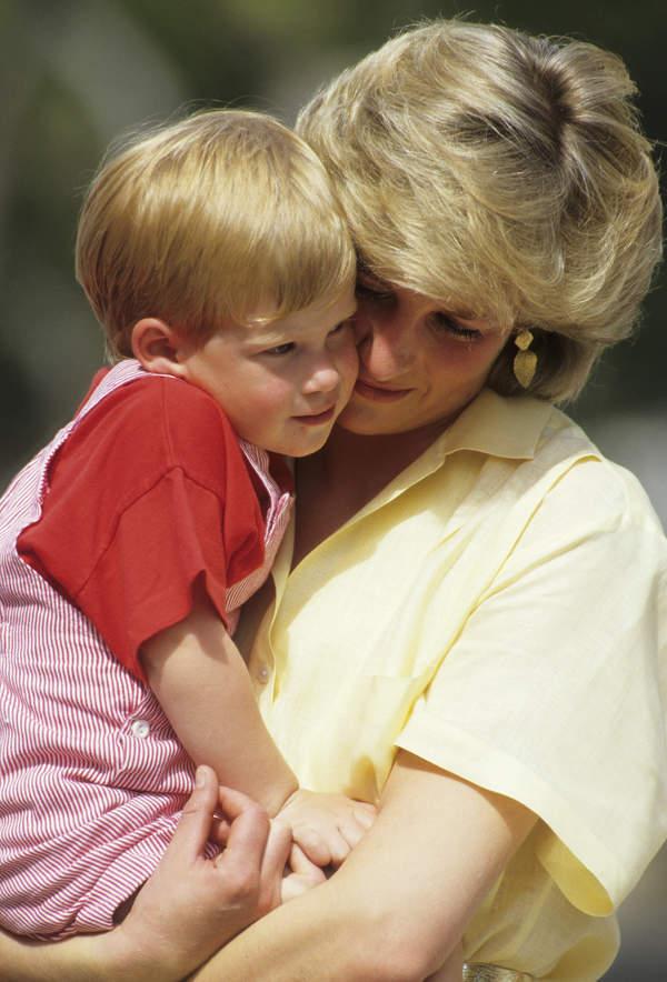 Książę Harry wspomina zmarłą Dianę Spencer