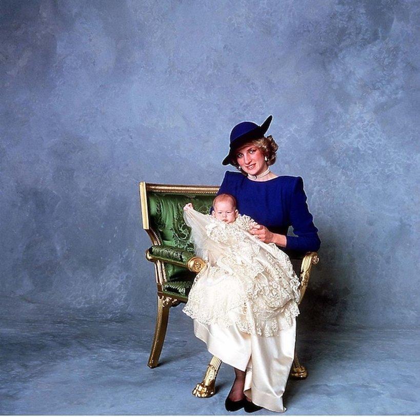 Książę Harry z mamą książną Dianą
