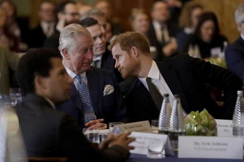 Książę Karol ma dość zachowania Harry'ego. Nie kryje rozczarowania