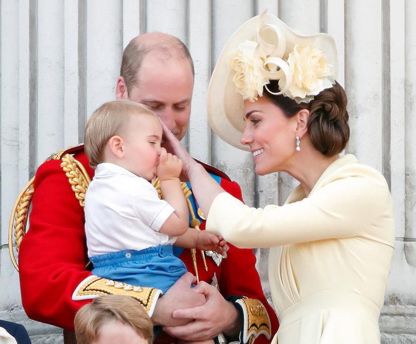 Książę Louis, księżna Kate, książę William
