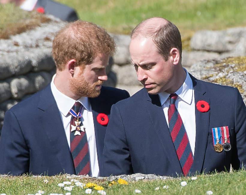 """Książę William pierwszy podjął decyzję o odcięciu się od Harry'ego i Meghan? """"Wyrzucił go z posiadłości"""""""