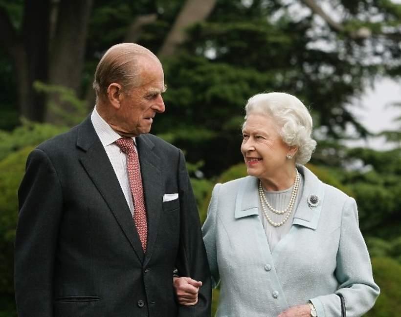 KsiążęFilip, królowa Elżbieta II pakt