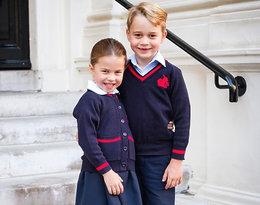 Oficjalne zdjęcie George'a i Charlotte z pierwszego dnia szkoły skrywatajemnicę...