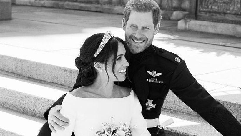 KsiążęHarry i księżna Meghan, oficjalne portrety ślubne Harry'ego i Meghan