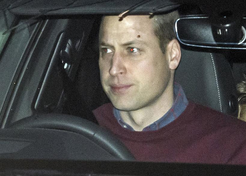 KsiążęWilliam prowadzi samochód