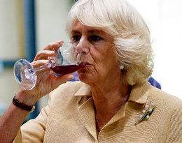 """""""Była tak pijana, że nie mogła stać""""Księżna Camilla jest uzależniona od alkoholu?!"""