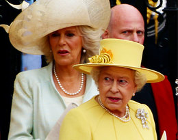 Księżna Camilla uderzyła królową Elżbietę II! Wszystko dlatego, że była... pijana