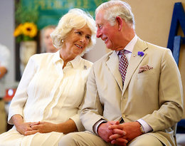 Ta miłość rodziła się w cieniu skandalu… Oto przejmująca historia związku Karola i Camilli!