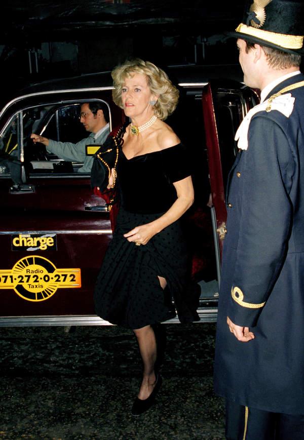 księżna Camilla sukienka zemsty