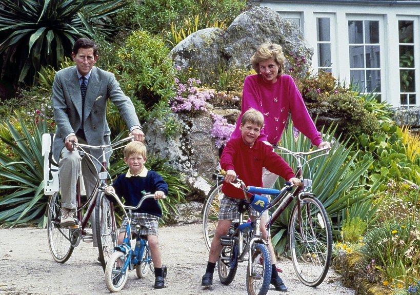 księżna Diana i książę Karol z synami w 1989 roku
