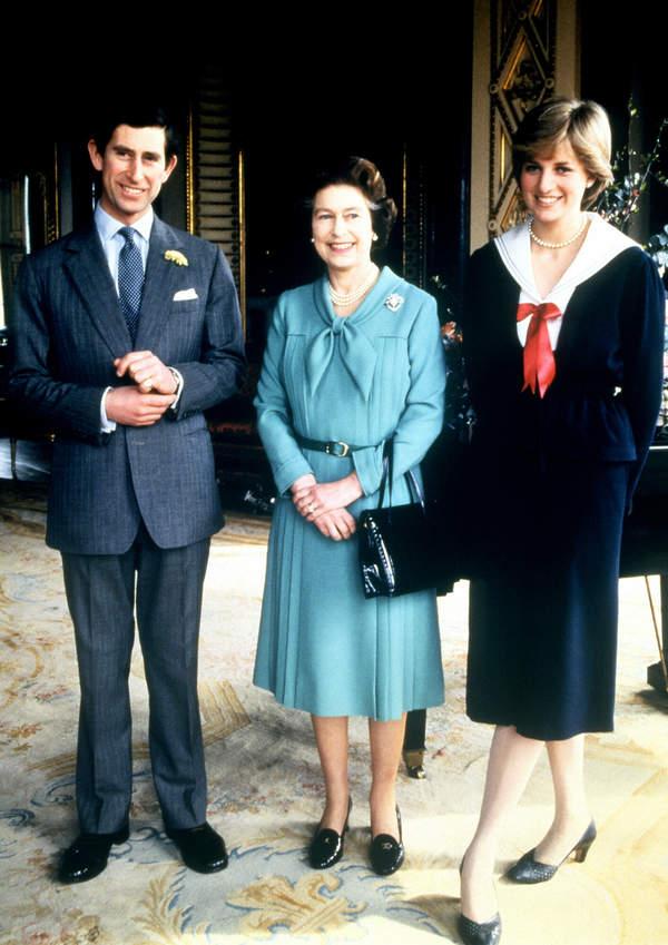 księżna Diana, Książę Karol, królowa Elżbieta II