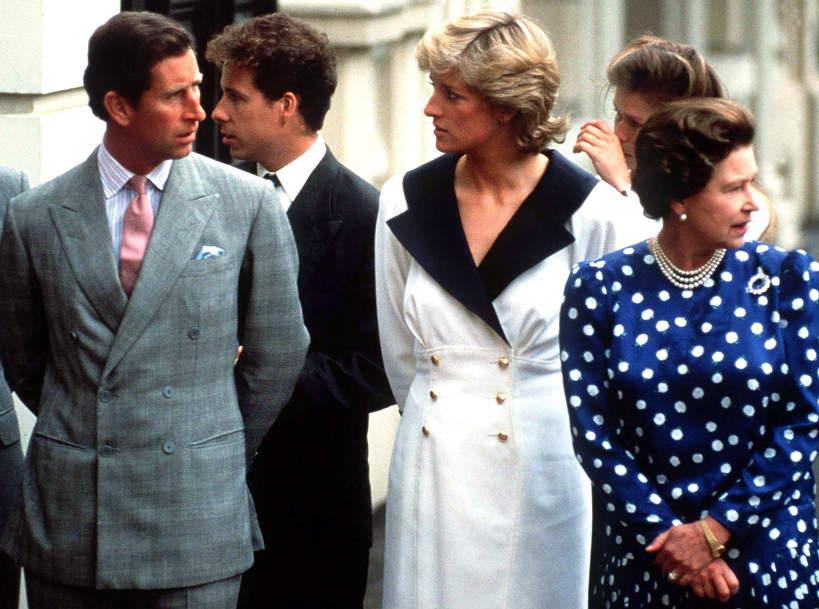 Księżna Diana rzuciła sięze schodów