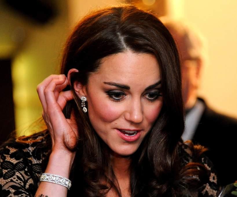 księżna Kate, biżuteria od księcia Karola