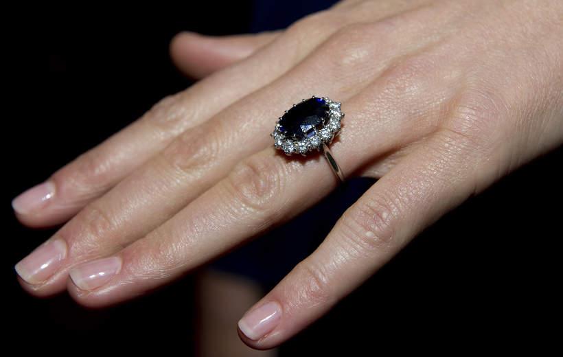 Księżna Kate i książęWilliam zaręczyny
