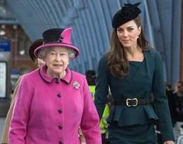 Królowa Elżbieta II myśli o abdykacji? Stanowcza reakcja księżnej Kate doceniona przez internautów