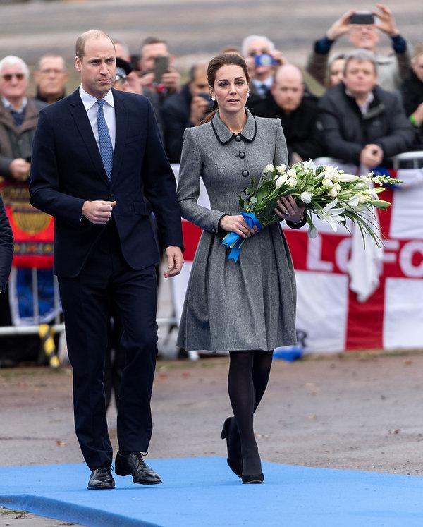 księżna Kate, książęWilliam hołd dla ofiar katastrofy