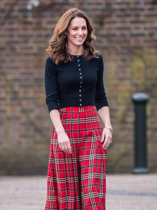 Księżna Kate spódnica w kratkę