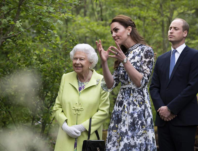 księżna Kate sukienka w kwiaty