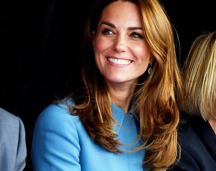 Księżna Kate w niebieskim płaszczu 2019