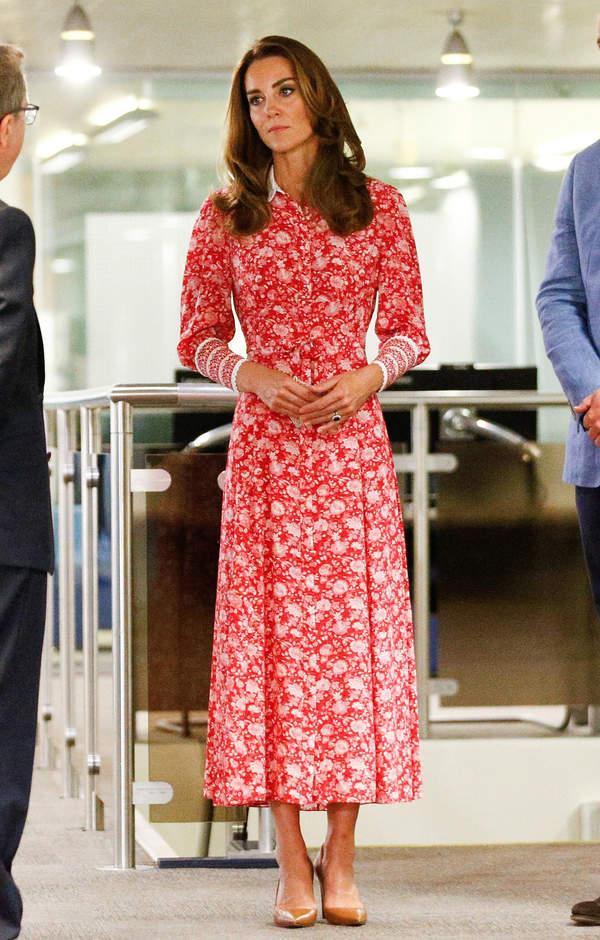 ksiezna-kate-w-sukience-za-2700-zlotych-zona-ksiecia-w-luksusowej-kreacji-piekla-bajgle