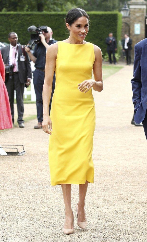 Księżna Meghan, buty księżnej Meghan, stylizacja księżnej Meghan