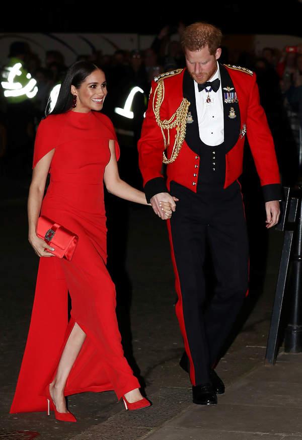 Księżna Meghan, czerwone buty