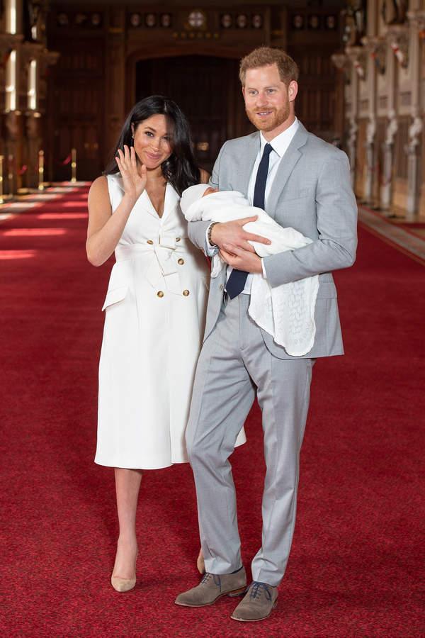 Księżna Meghan i książę Harry z synem Archiem