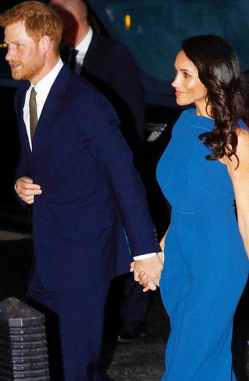 Księżna Meghan, książę Harry, Meghan w niebieskiej sukience, stylizacje Meghan