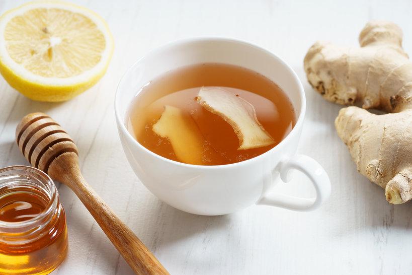 kuchnia, zimowa herbata z imbirem i miodem