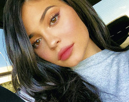 Kylie Jenner złożyła ojcu życzenia i... wywołała burzę w internecie. Dlaczego?
